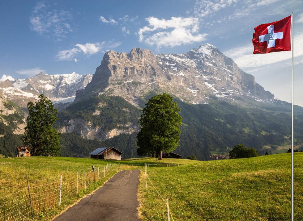 9 ngọn núi đẹp trên thế giới - Ảnh 1.