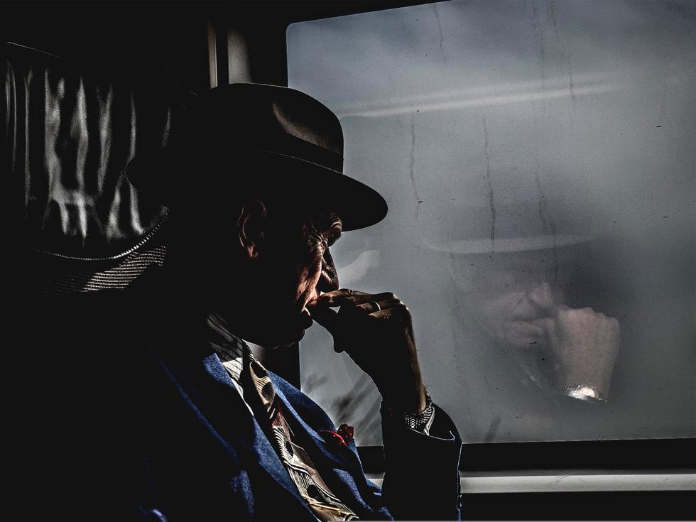 'Người đàn ông suy tư' đoạt giải ảnh du lịch của Guardian - Ảnh 1.