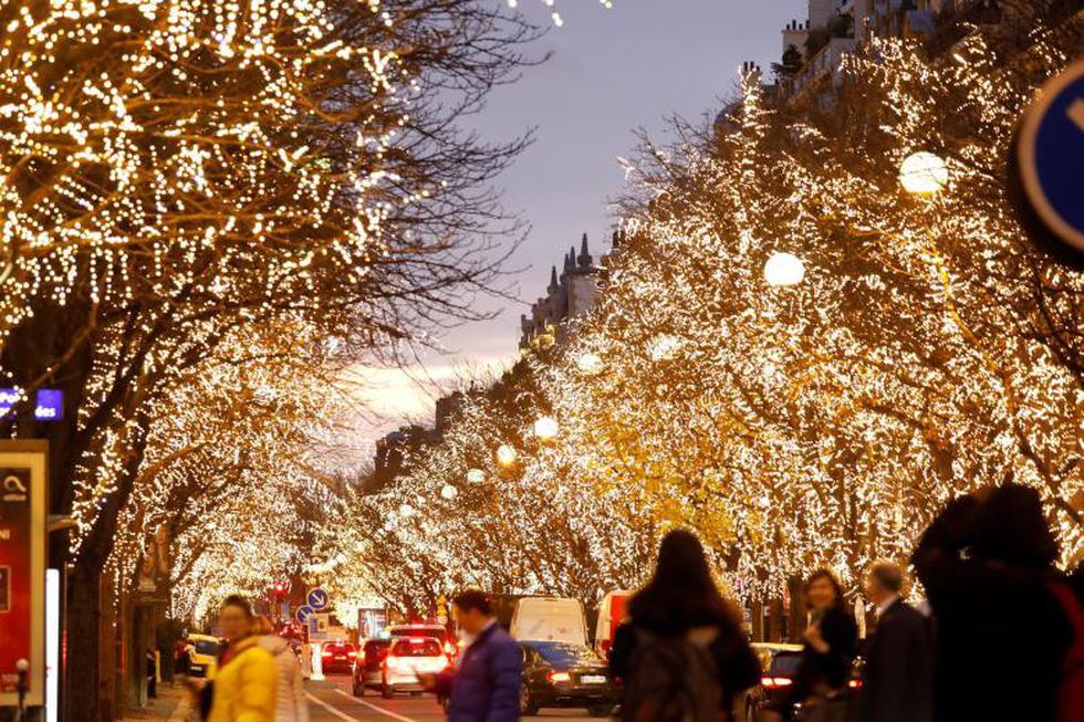 Thế giới rực rỡ đón Noel - Ảnh 15.