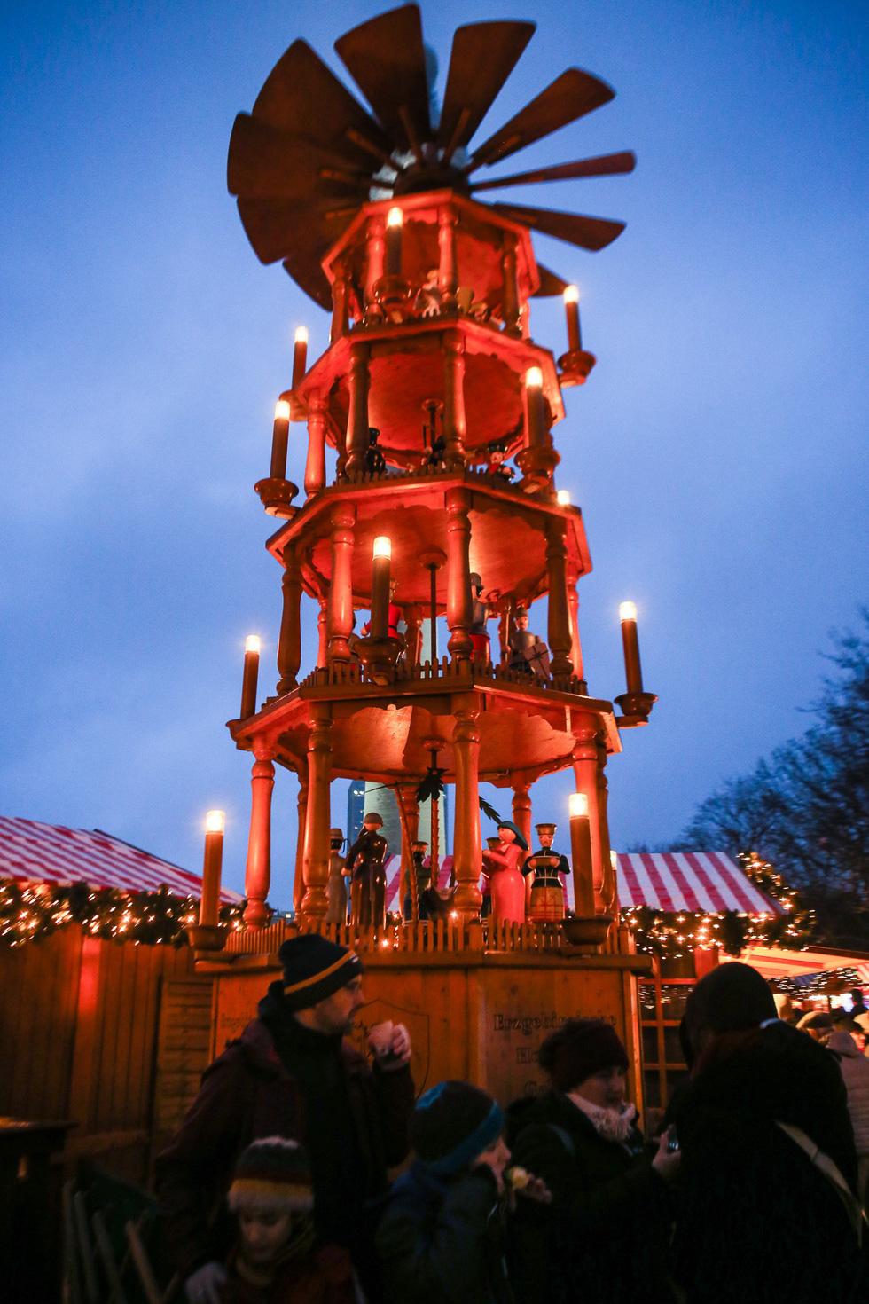 Đi chợ Giáng sinh trời Âu có gì vui? - Ảnh 14.