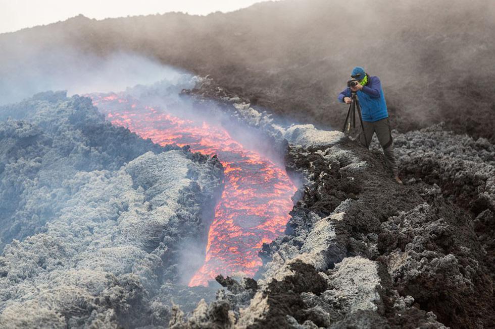 Những hình ảnh núi lửa phun trào ám ảnh trong năm 2017 - Ảnh 7.