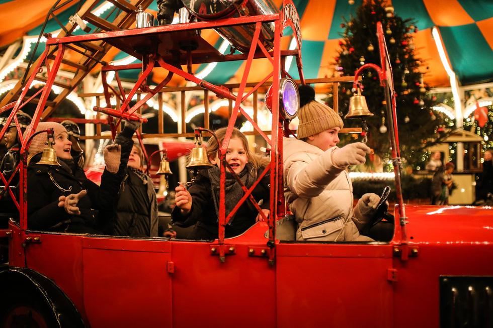 Đi chợ Giáng sinh trời Âu có gì vui? - Ảnh 16.