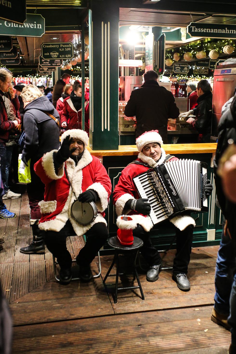 Đi chợ Giáng sinh trời Âu có gì vui? - Ảnh 18.