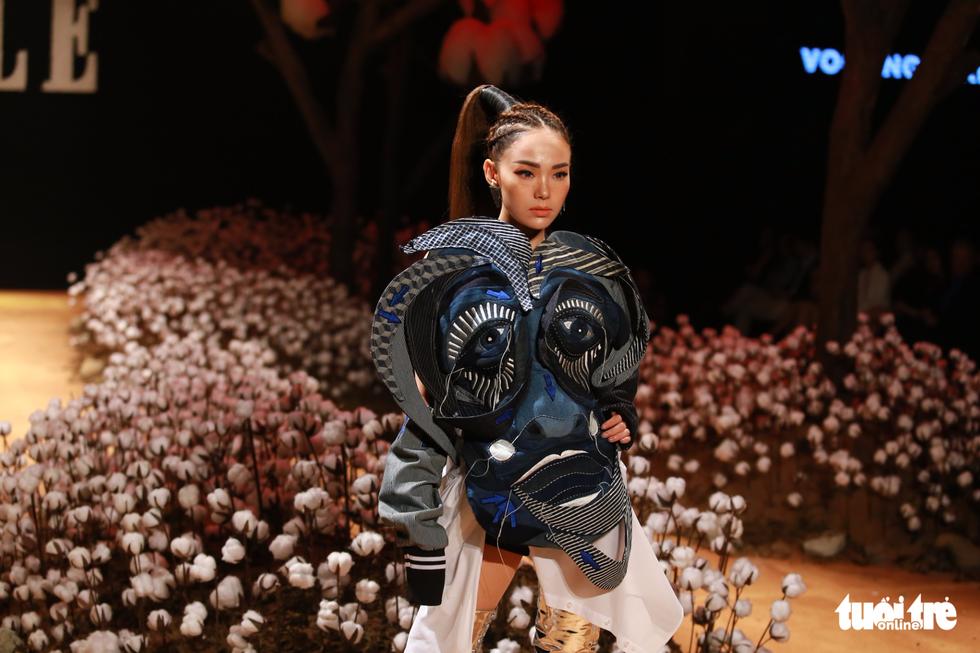 Lan Khuê, Minh Hằng khiến khán giả nhún nhảy với ELLE show - Ảnh 1.