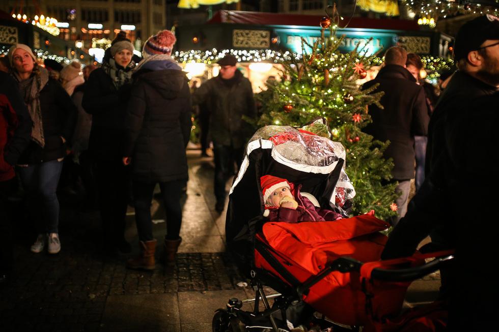 Đi chợ Giáng sinh trời Âu có gì vui? - Ảnh 21.
