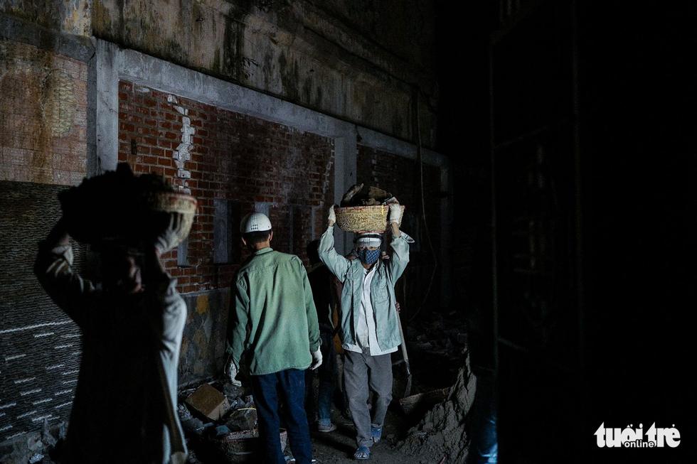 Người vô gia cư co ro giữa đêm đông Hà Nội - Ảnh 16.