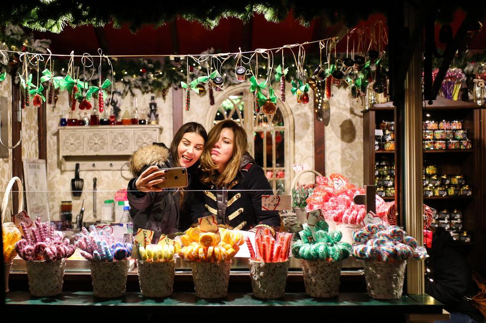 Đi chợ Giáng sinh trời Âu có gì vui? - Ảnh 25.