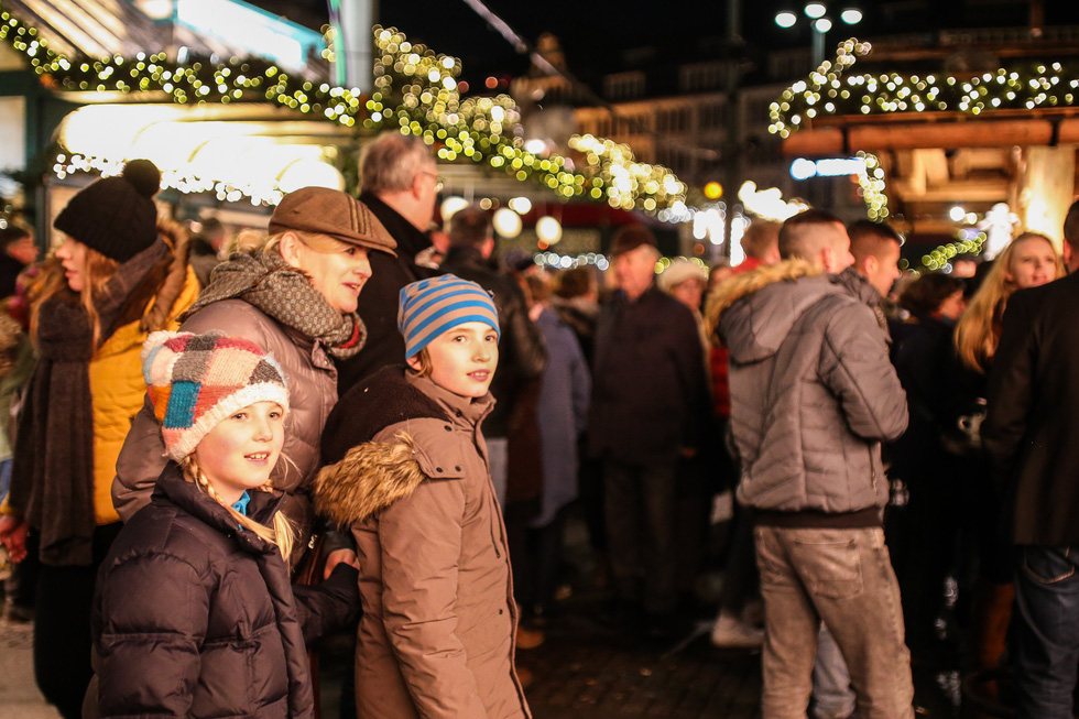 Đi chợ Giáng sinh trời Âu có gì vui? - Ảnh 27.