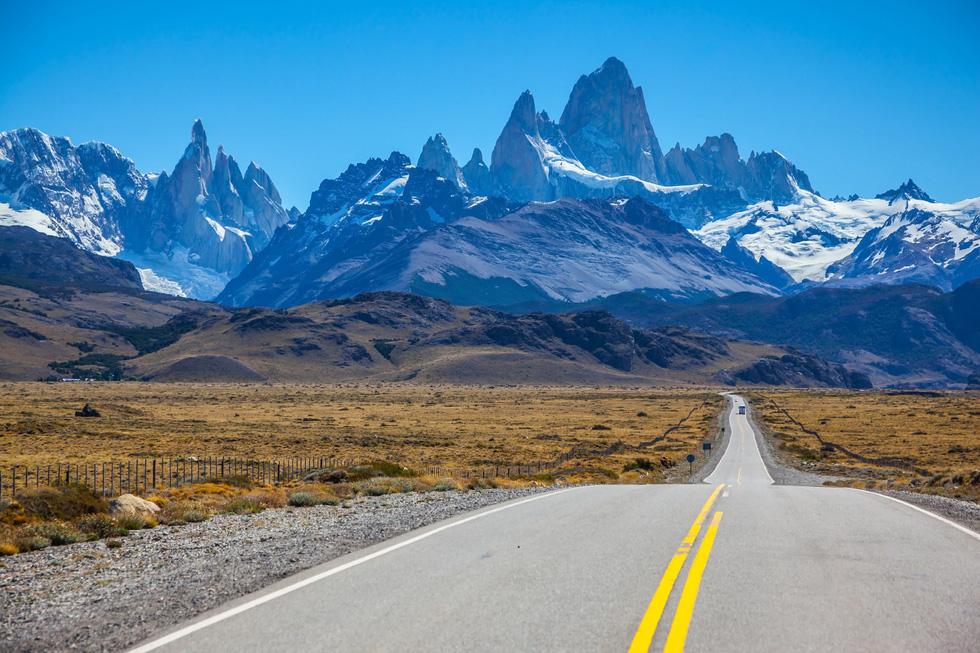 9 ngọn núi đẹp trên thế giới - Ảnh 3.