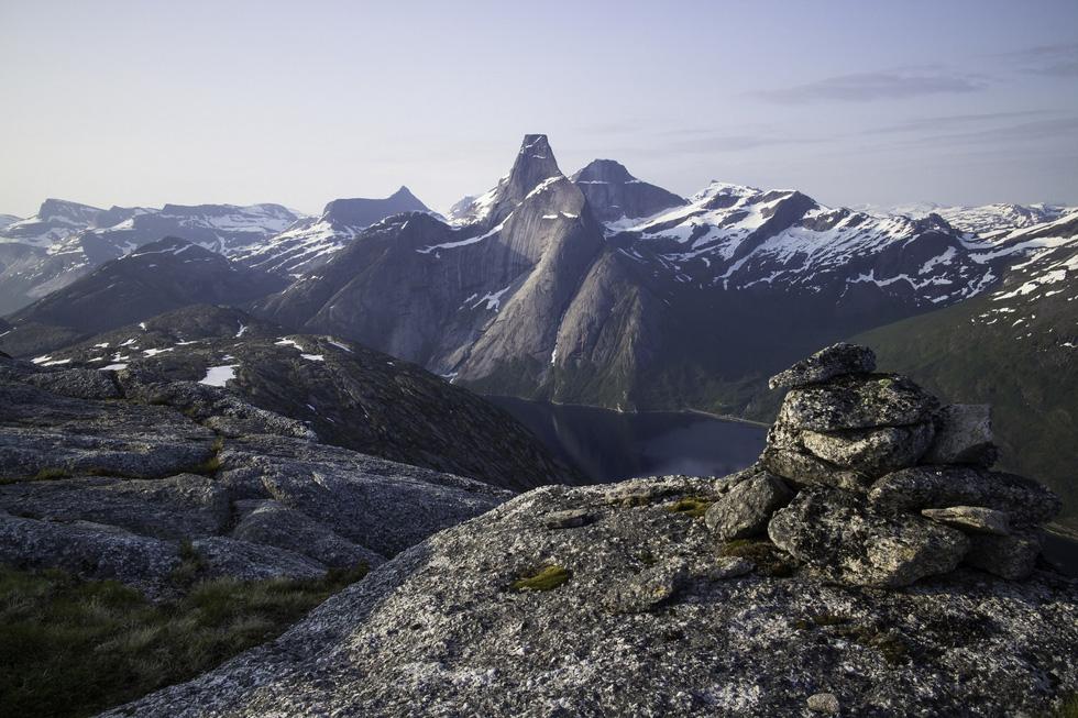 9 ngọn núi đẹp trên thế giới - Ảnh 9.