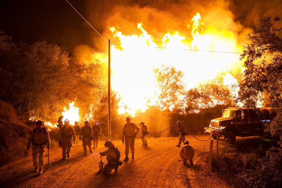 Những hình ảnh kinh hoàng ở biển lửa California - Ảnh 8.