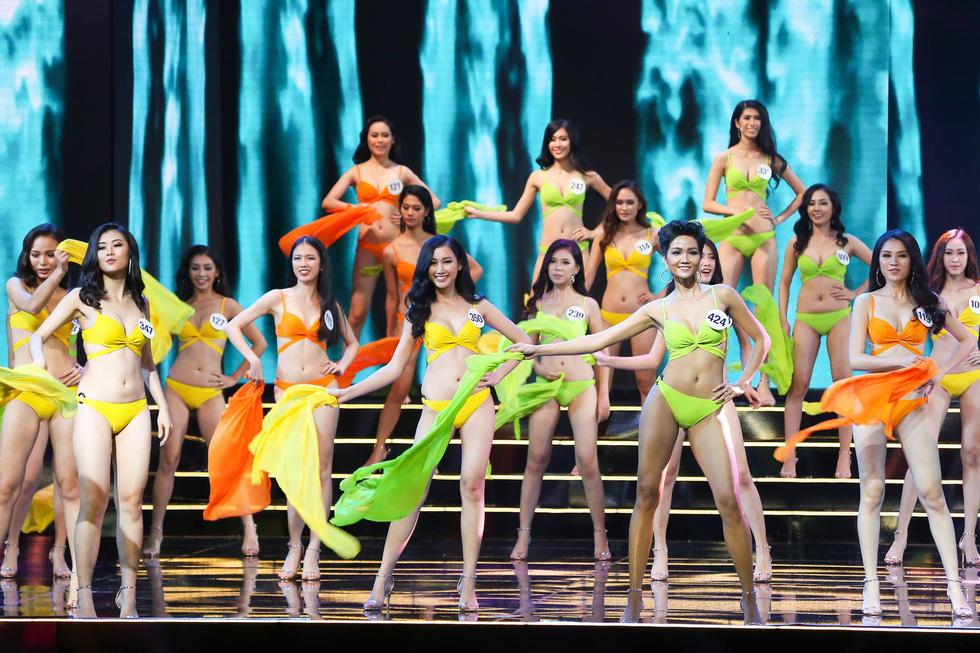 Hoa hậu 2017 - một năm rối bời của nhan sắc Việt - Ảnh 2.