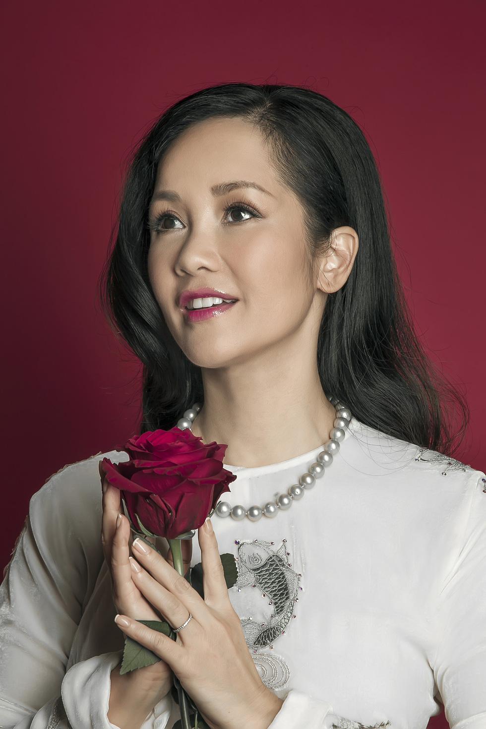 Hồng Nhung: diva chẳng cần hát nhạc diva - Ảnh 7.