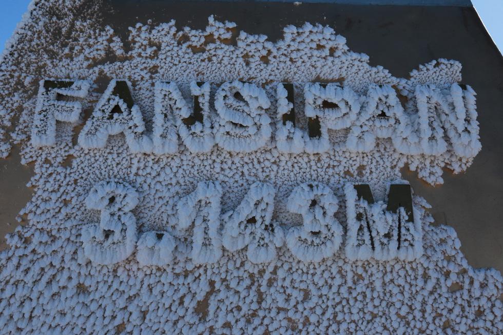 Mưa tuyết phủ trắng đỉnh Fansipan đẹp như cổ tích - Ảnh 26.