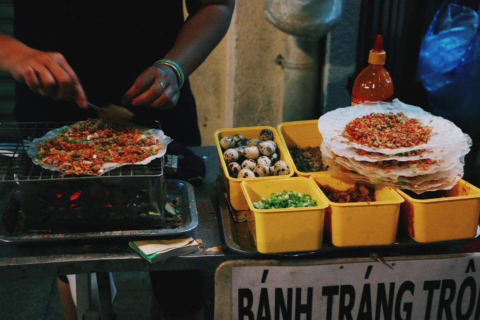 Đến phố đi bộ Nguyễn Huệ mà không thử những món này thì thật tiếc - Ảnh 3.