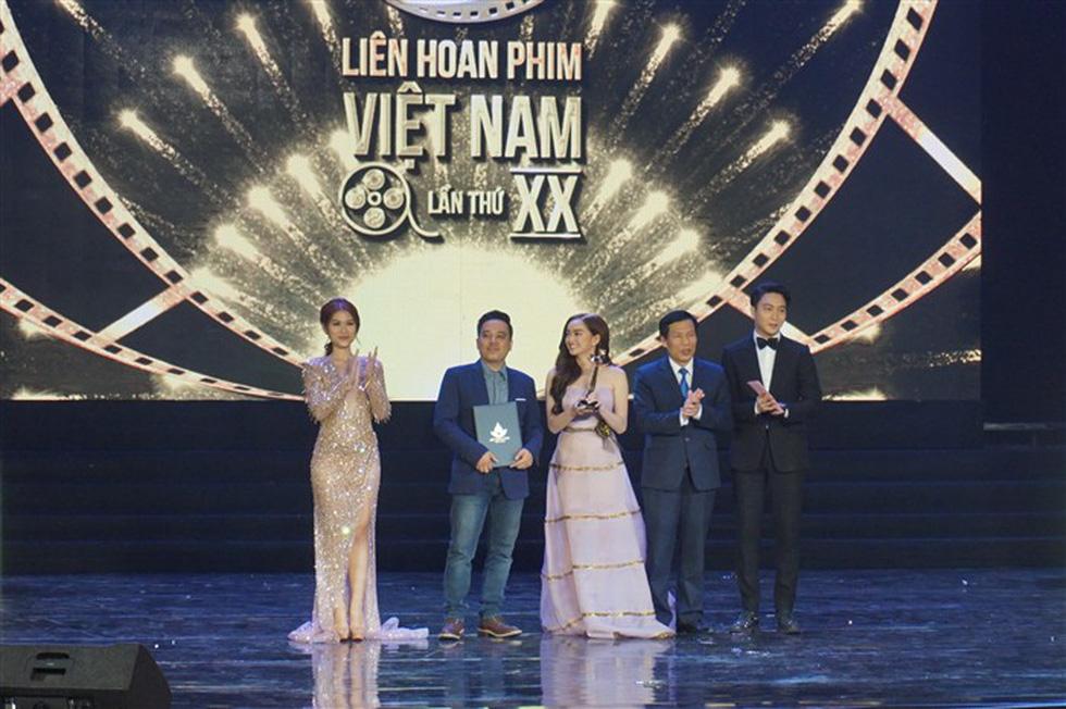 Đạo diễn Em chưa 18 muốn tặng Bông Sen Vàng cho Charlie Nguyễn - Ảnh 6.