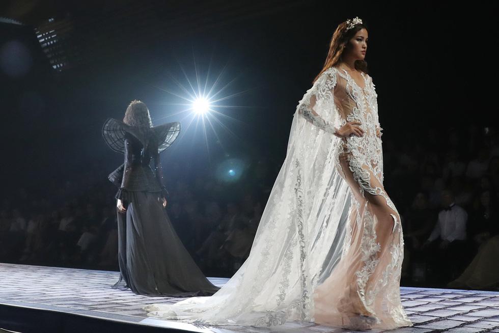 Minh Tú và dàn người mẫu hóa nữ thần show Chung Thanh Phong - Ảnh 8.