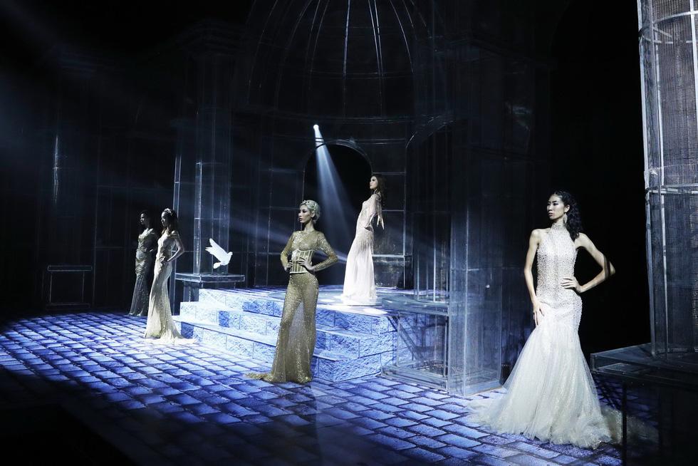 Minh Tú và dàn người mẫu hóa nữ thần show Chung Thanh Phong - Ảnh 3.