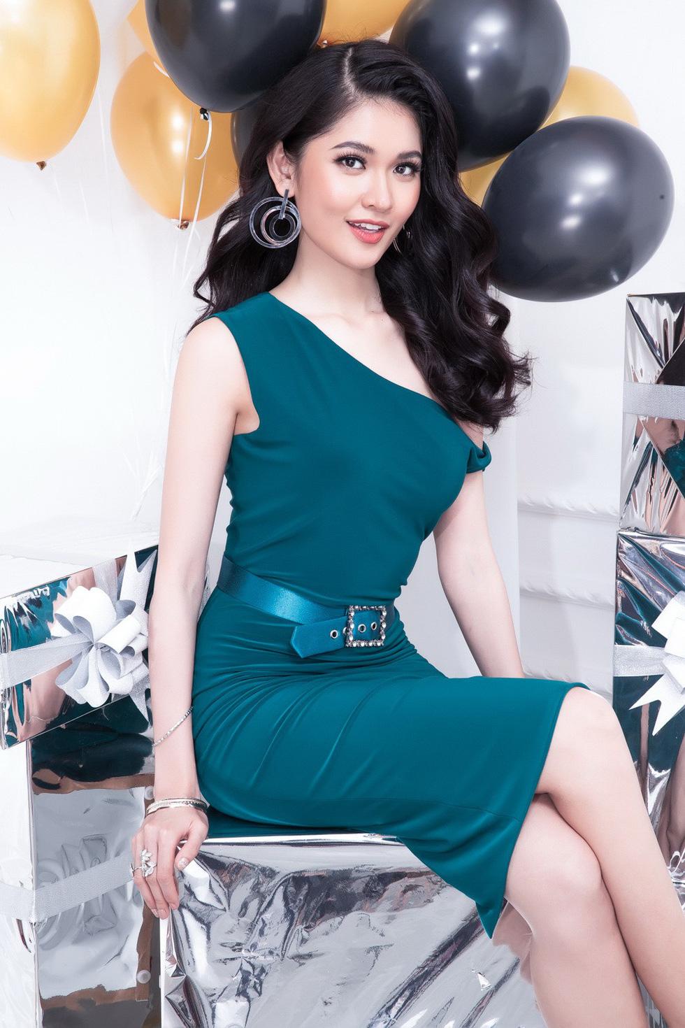 Á hậu Thùy Dung: 2018 có thể còn tràn lan hoa hậu - Ảnh 14.