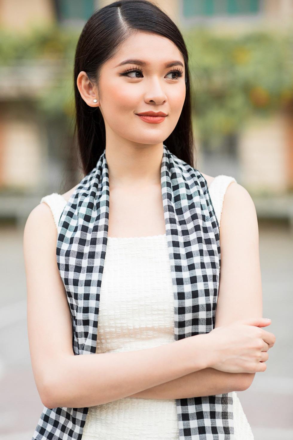 Á hậu Thùy Dung: 2018 có thể còn tràn lan hoa hậu - Ảnh 9.