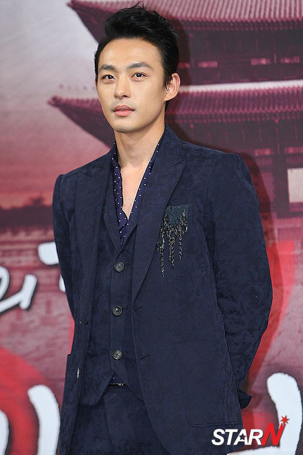 Em trai Ha Ji Won qua đời ở tuổi 34 vì trầm cảm - Ảnh 2.