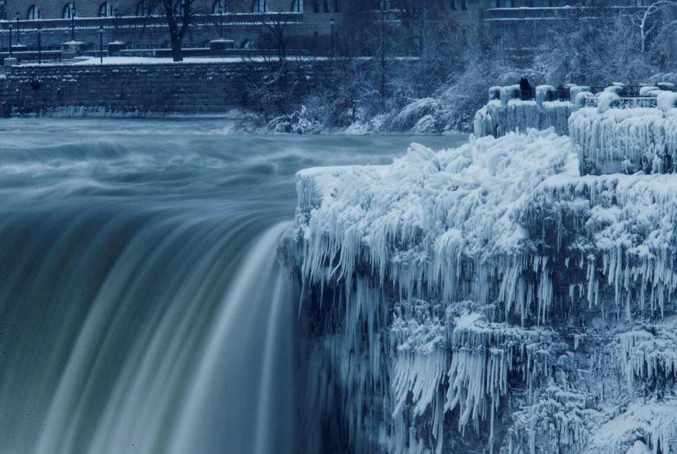 Du khách ngắm thác Niagara trong băng giá - Ảnh 2.