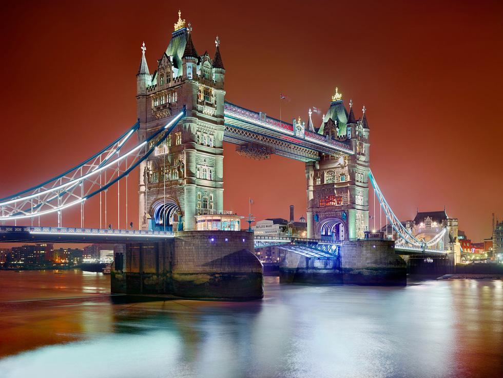 Ngắm ảnh các thành phố huyền thoại và rực rỡ về đêm - Ảnh 1.