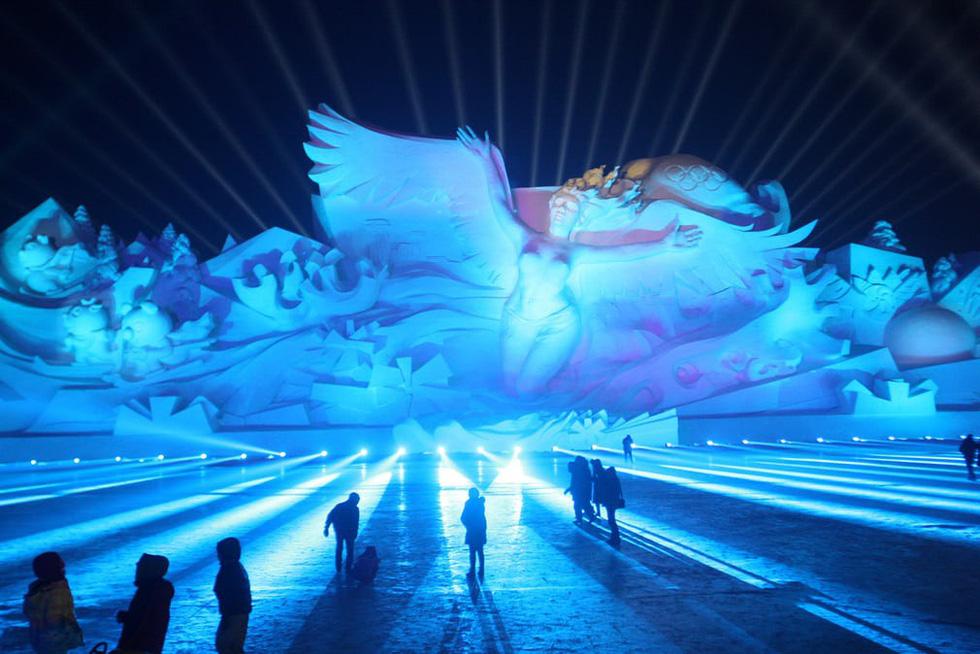 Sang Hàn Quốc và Trung Quốc vui lễ hội băng tuyết - Ảnh 10.