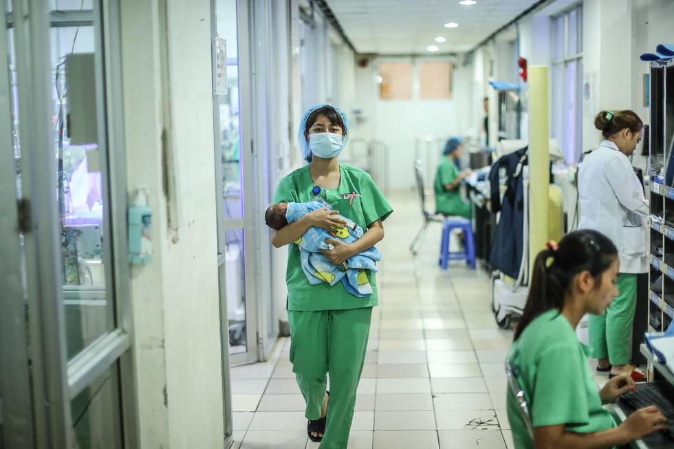 Tận tụy những người mẹ chăm trẻ sinh non - Ảnh 11.