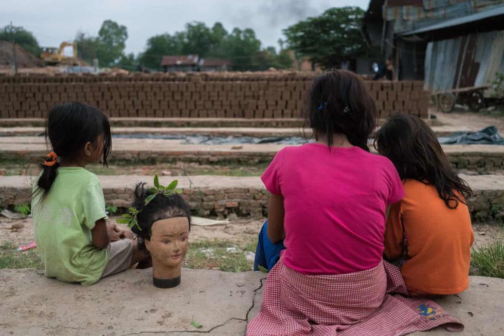 Gạch máu ở Campuchia - Ảnh 20.