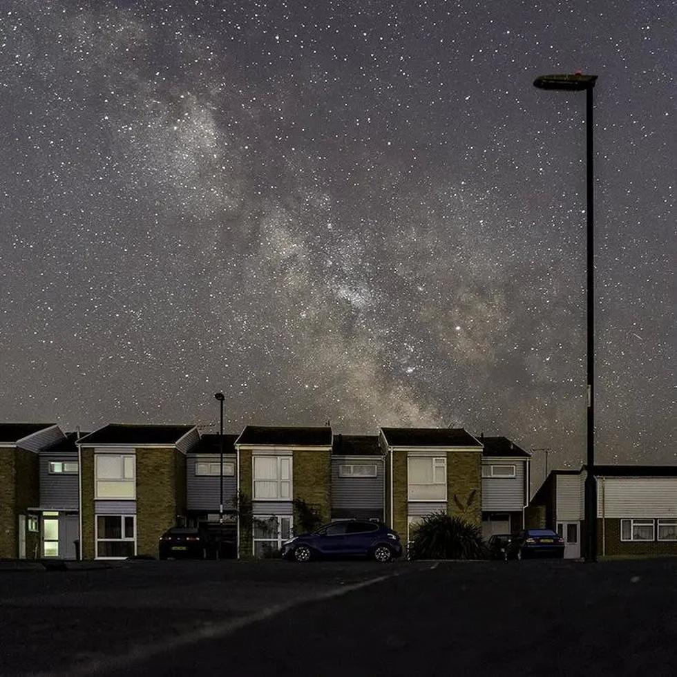 Bầu trời đêm đẹp như tranh thắng giải ảnh thiên văn học 2018 - Ảnh 2.