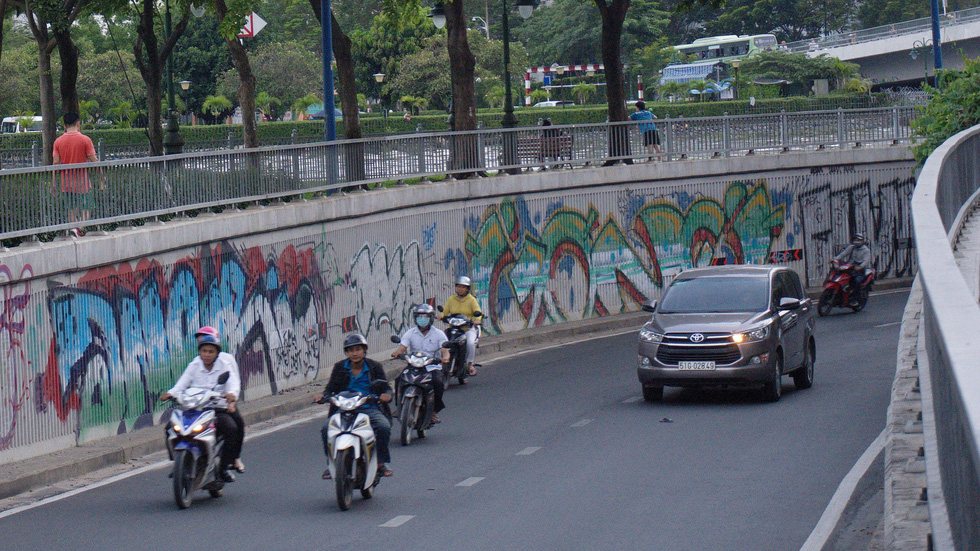 Tranh tường, graffiti và... bôi bẩn đường phố - Ảnh 10.