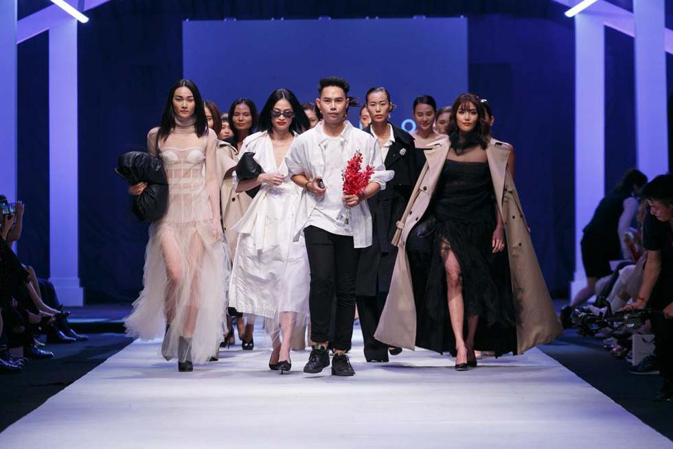 Lan Khuê, Lệ Nam mở màn Tuần lễ thời trang quốc tế Việt Nam - Ảnh 2.