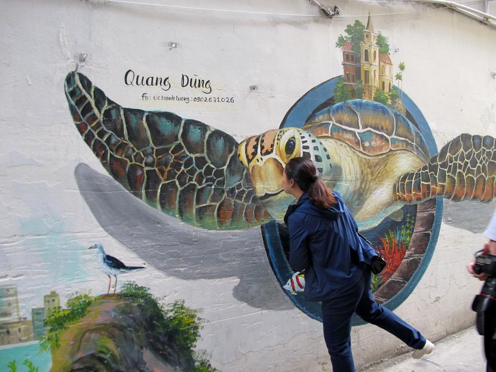 Tranh tường, graffiti và... bôi bẩn đường phố - Ảnh 5.