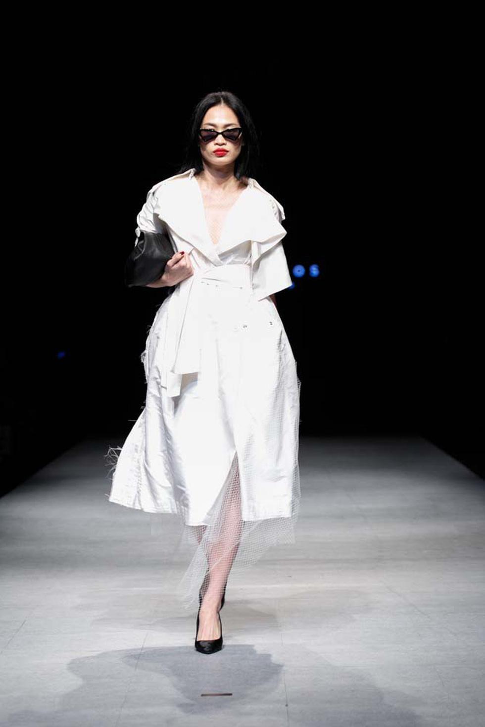 Lan Khuê, Lệ Nam mở màn Tuần lễ thời trang quốc tế Việt Nam - Ảnh 17.