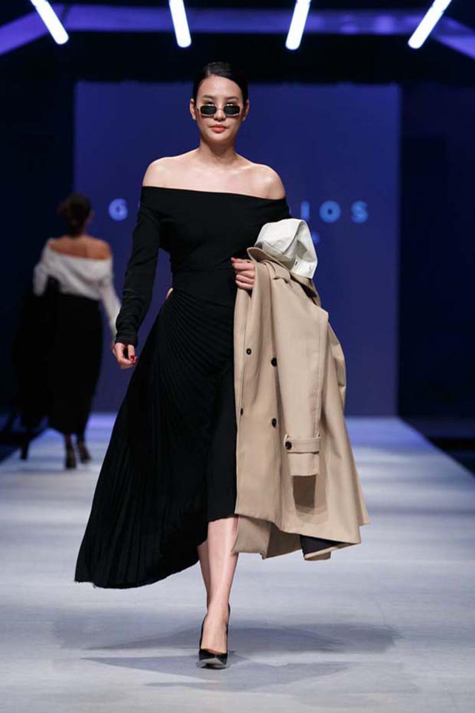 Lan Khuê, Lệ Nam mở màn Tuần lễ thời trang quốc tế Việt Nam - Ảnh 18.