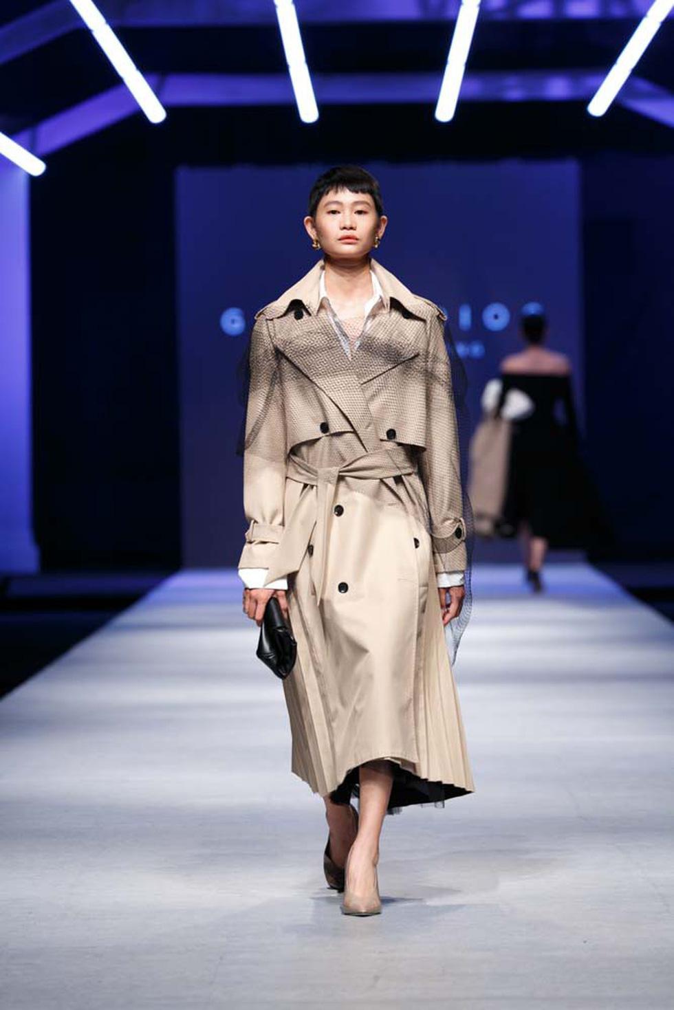 Lan Khuê, Lệ Nam mở màn Tuần lễ thời trang quốc tế Việt Nam - Ảnh 19.