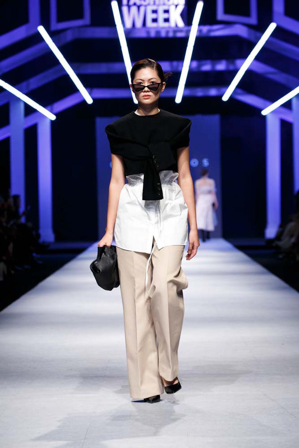 Lan Khuê, Lệ Nam mở màn Tuần lễ thời trang quốc tế Việt Nam - Ảnh 20.
