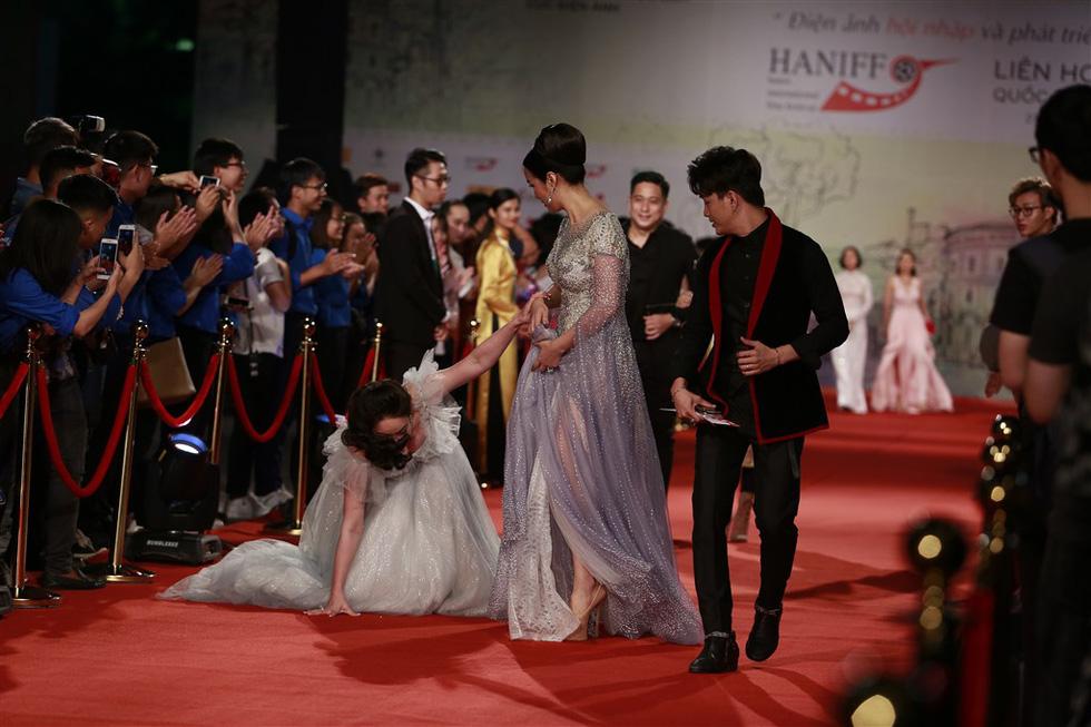Gặp Như Quỳnh, Lê Khanh, Hải Yến, Ngô Thanh Vân trên thảm đỏ HANIFF - Ảnh 2.