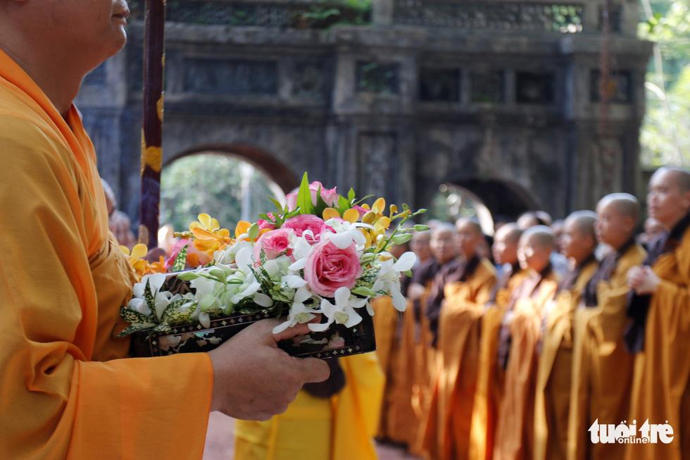Thiền sư Thích Nhất Hạnh về đến tổ đình Từ Hiếu - Ảnh 4.