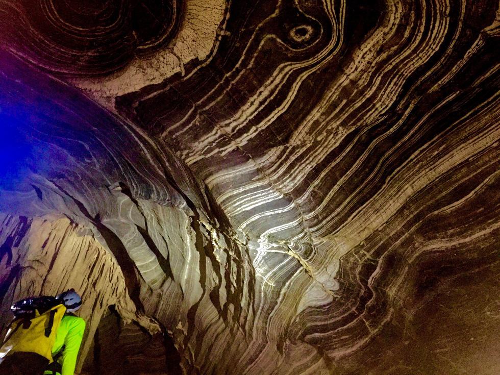 Thế giới kỳ bí trong hệ thống hang động Phong Nha - Kẻ Bàng - Ảnh 9.