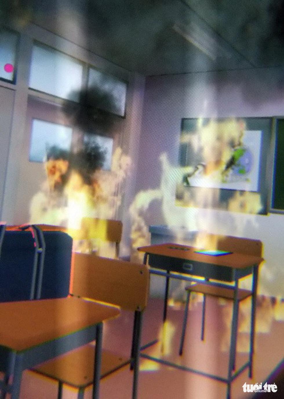 Học sinh học cách thoát hiểm trong phòng thực tế ảo - Ảnh 6.