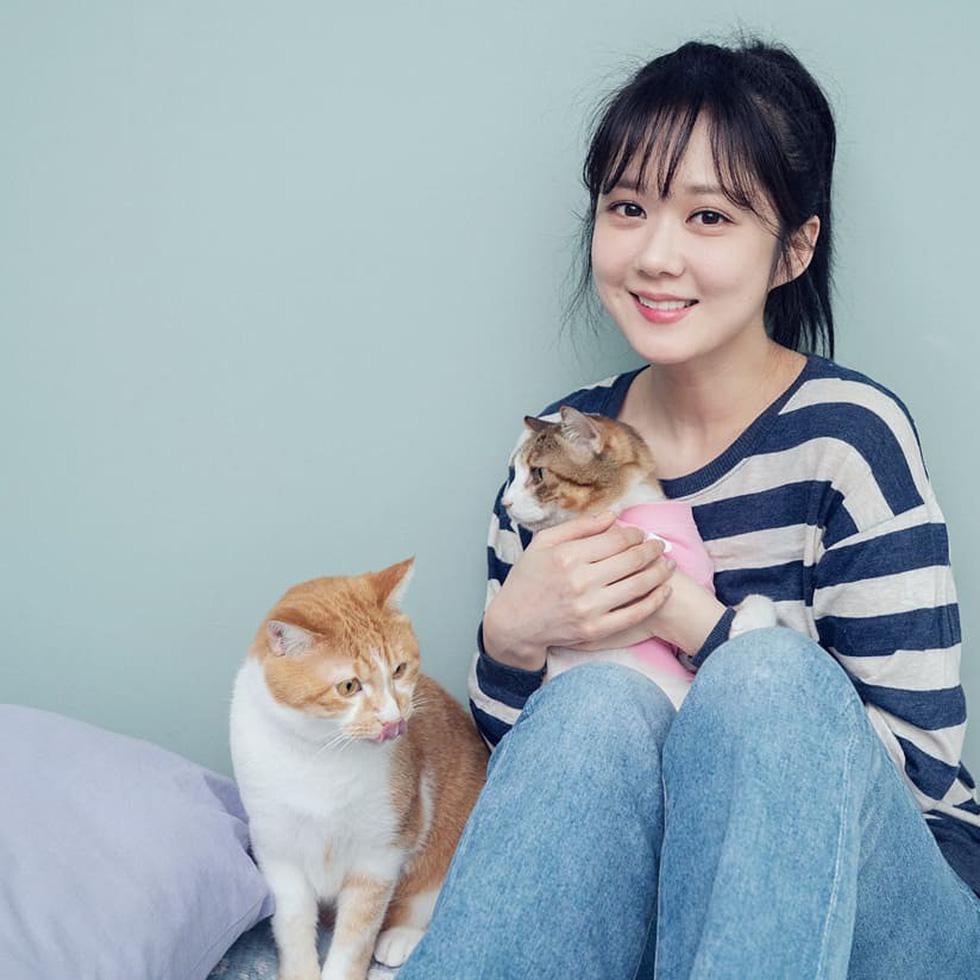 Jang Na Ra đẹp như gái 20 vào vai hoàng hậu - Ảnh 7.