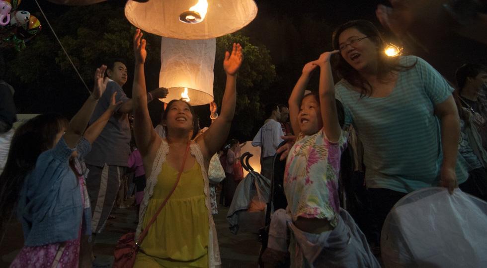 Loi Krathong - lễ hội cổ và lung linh nhất của Thái Lan - Ảnh 13.