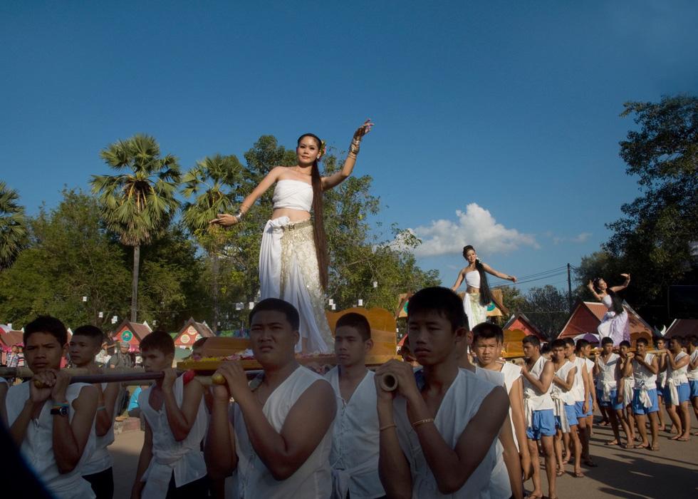 Loi Krathong - lễ hội cổ và lung linh nhất của Thái Lan - Ảnh 7.