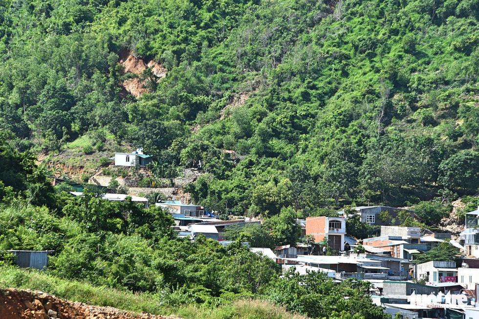 Những dự án đô thị trên đầu làm sạt lở núi ở Nha Trang? - Ảnh 2.