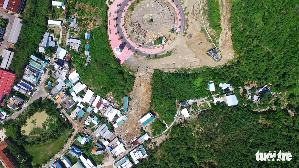 Những dự án đô thị trên đầu làm sạt lở núi ở Nha Trang? - Ảnh 8.