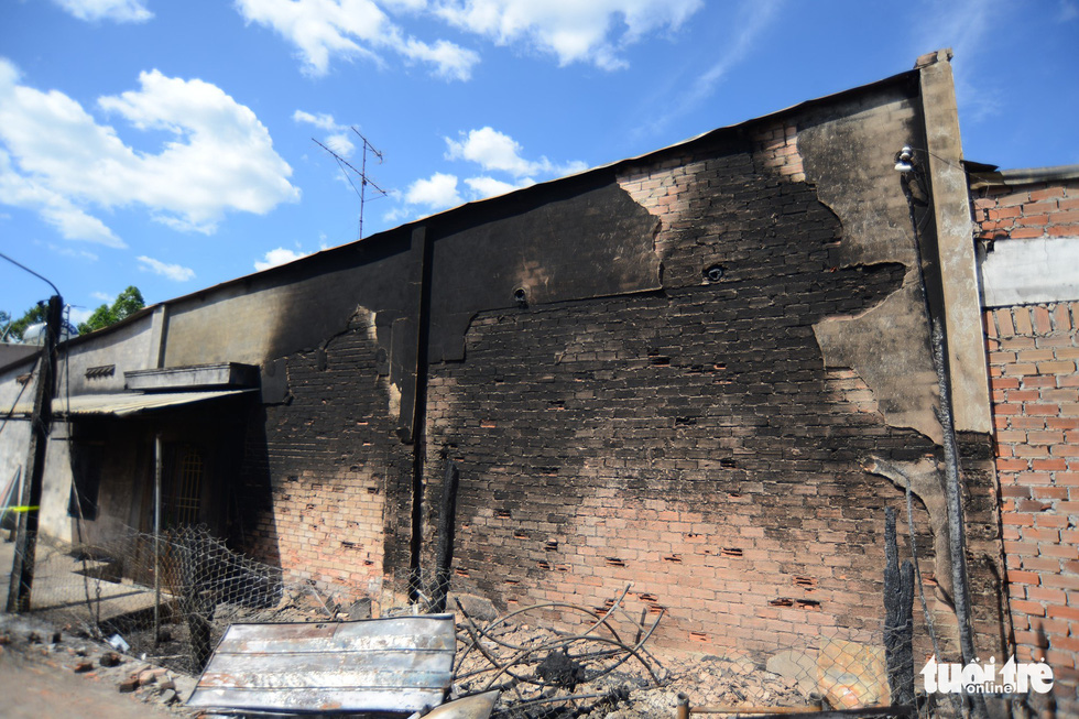 Cận cảnh hiện trường vụ cháy xe bồn chở xăng, 6 người chết - Ảnh 3.