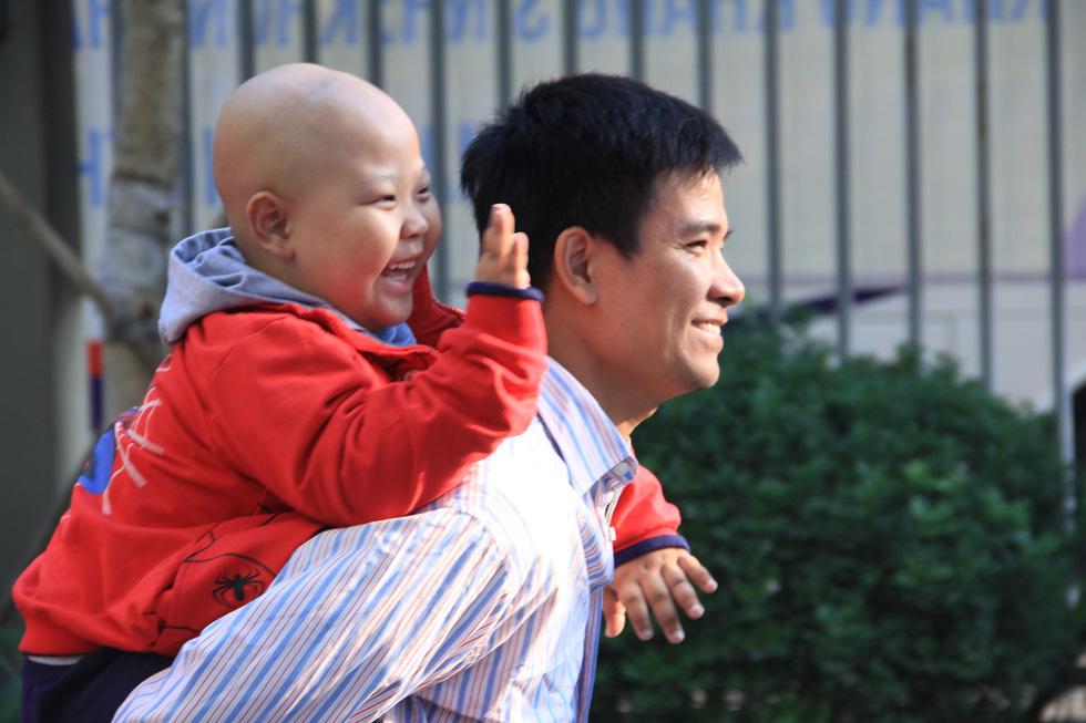 Bệnh nhi ung thư hát cùng Lê Cát Trọng Lý tại Ngày hội hoa hướng dương - Ảnh 5.