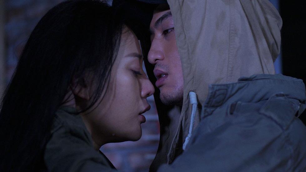 Phim Việt trượt khỏi giờ vàng: Yếu thế với những show giải trí khác - Ảnh 9.